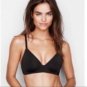 Victoria Secret lightly lined t-shirt bra